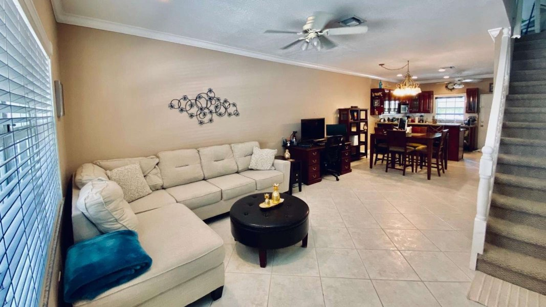 RE/MAX real estate, Cayman Islands, George Town South, Cay Courts 3 Bedroom Central George Town