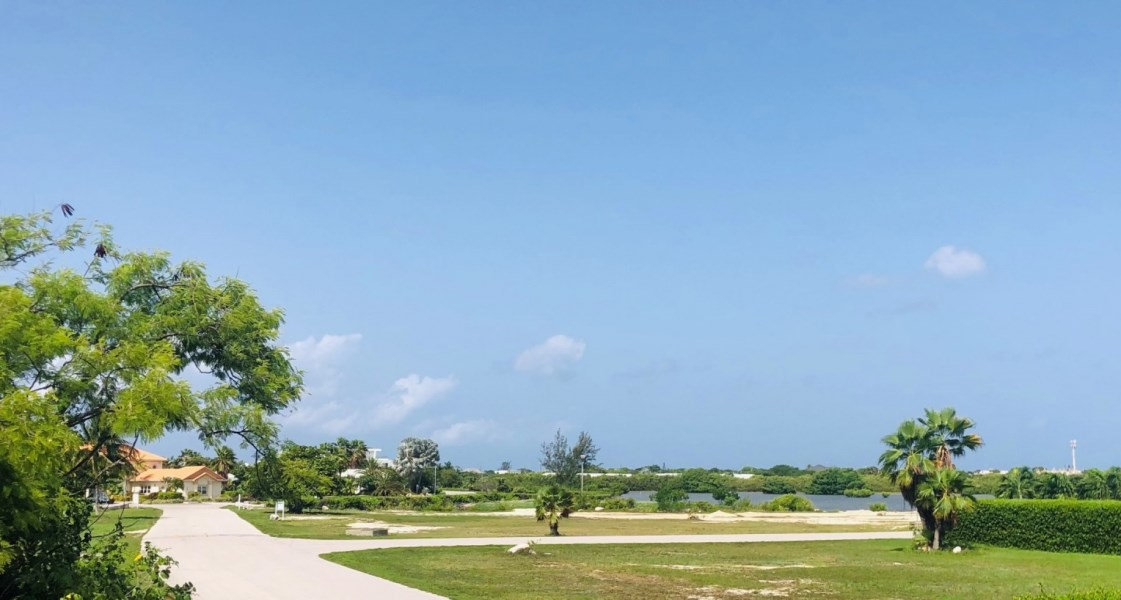 RE/MAX real estate, Cayman Islands, W Bay North East, Freehold - The Shores is one of