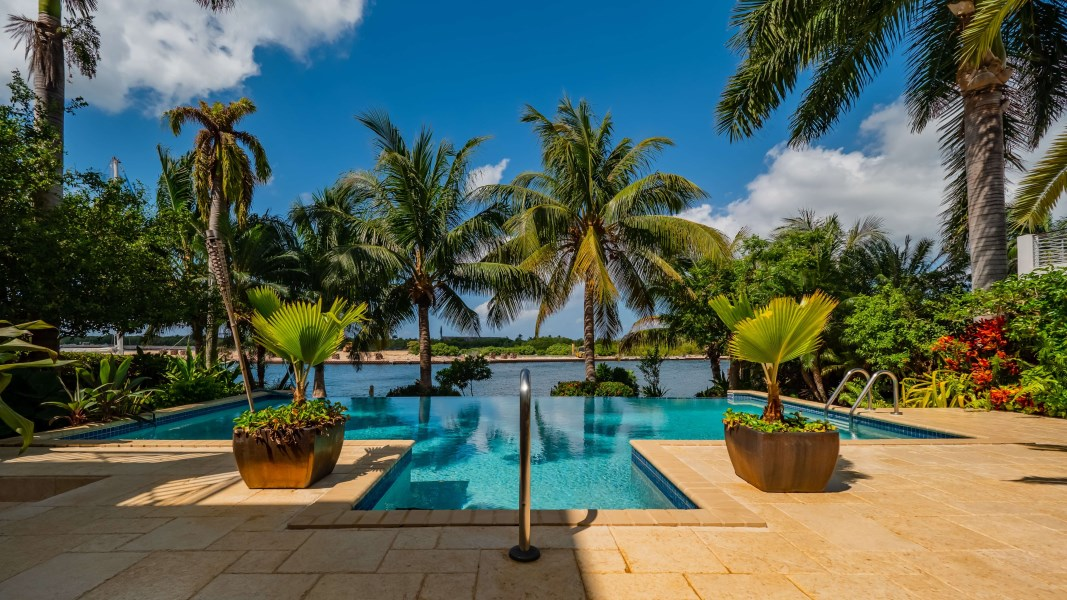 RE/MAX real estate, Cayman Islands, Prospect, Bimini Drive 505