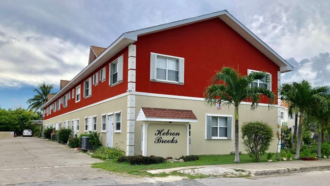 RE/MAX real estate, Cayman Islands, George Town South, Hebron Brooks #5 (George Town South)
