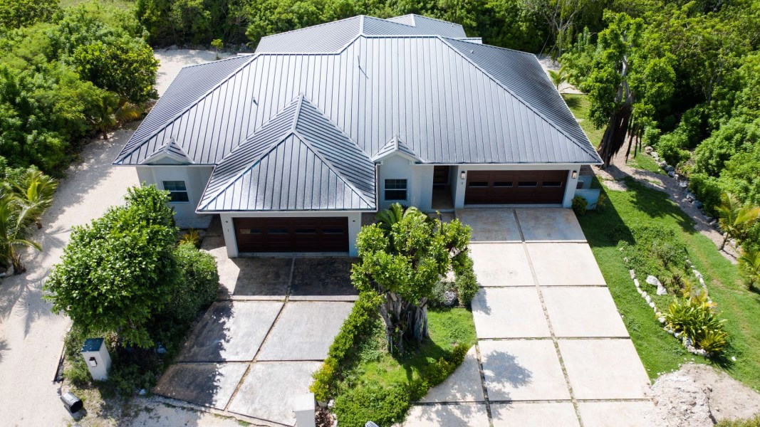 RE/MAX real estate, Cayman Islands, Lower Valley, Freehold - Beautiful, spacious