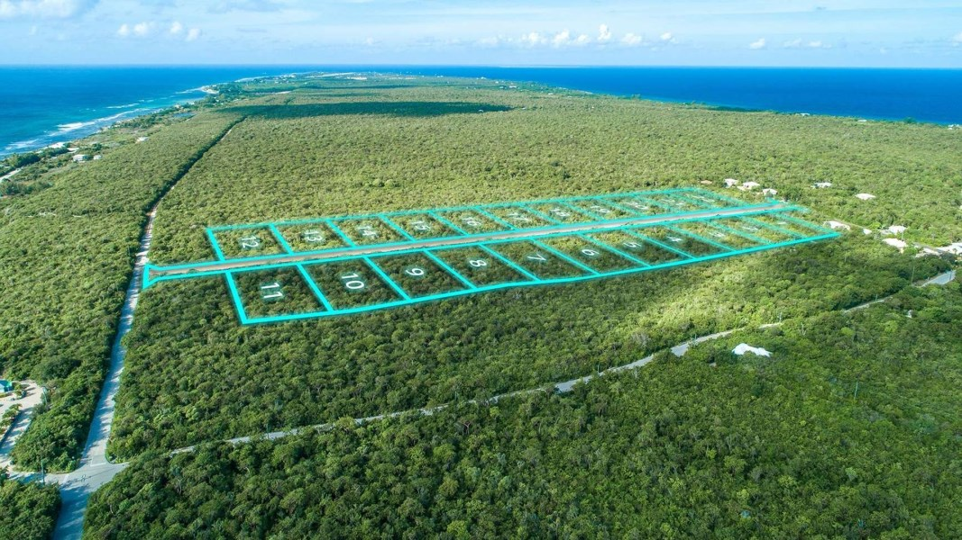 RE/MAX real estate, Cayman Islands, Cayman Brac Centr, Incredible opportunity for an investor or developer to purch