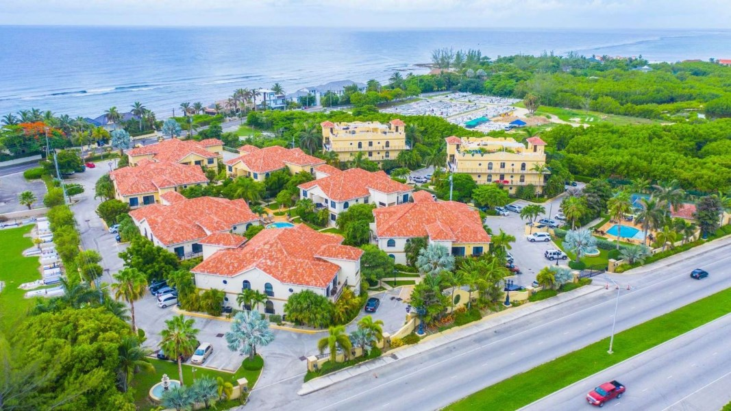 RE/MAX real estate, Cayman Islands, Prospect, Freehold - Perfect condition an