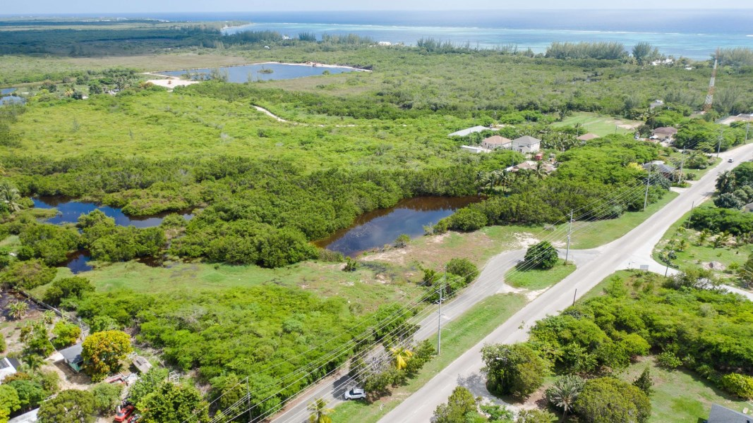 RE/MAX real estate, Cayman Islands, Midland East, Freehold - Fabulous development