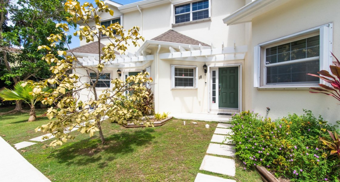 RE/MAX real estate, Cayman Islands, Spotts, Freehold - Welcome to Sawgrass