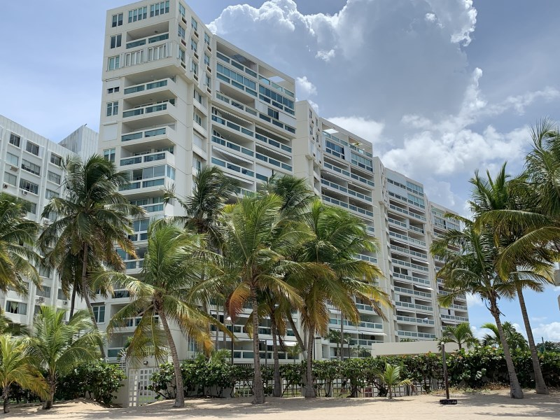 RE/MAX real estate, Puerto Rico, Isla Verde, Beautiful Beachfront Apartment Isla Verde