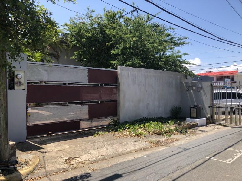 RE/MAX real estate, Puerto Rico, Santurce, Punta Las Marias Fixer Upper 1st level 4-5 Investment Multi-use