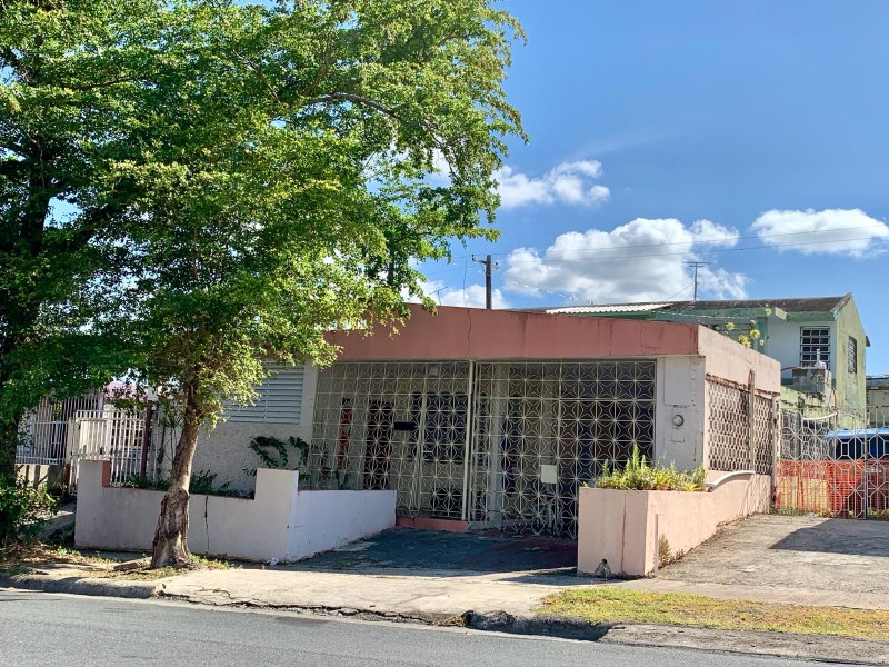 RE/MAX real estate, Puerto Rico, URB Santa Juanita, Comfortable house + independent apartment