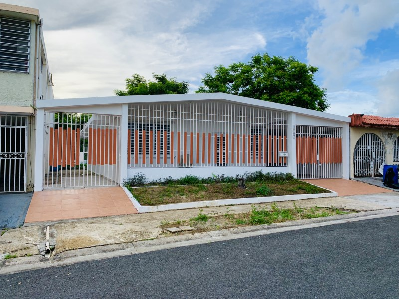 RE/MAX real estate, Puerto Rico, URB Flamboyan Gdns, 4 rooms 2 bathrooms Good conditions
