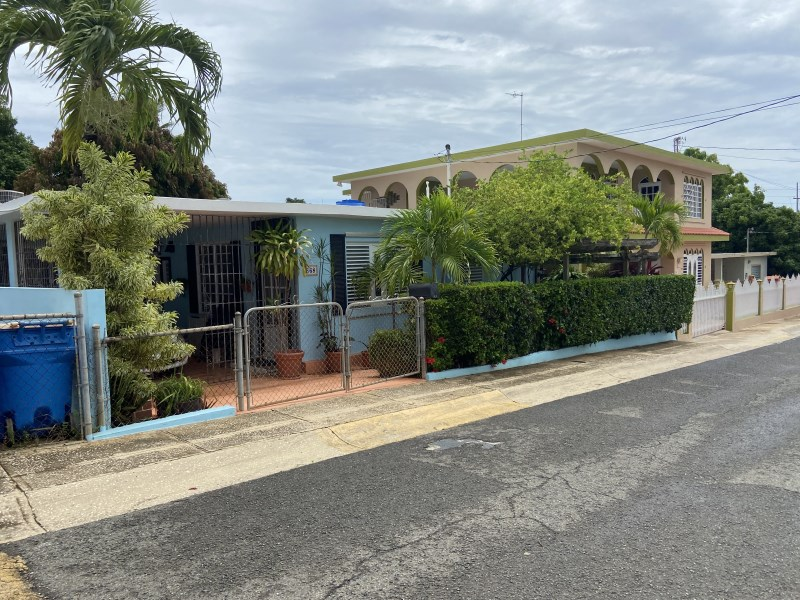 RE/MAX real estate, Puerto Rico, Bo Borinquen, Hermosa y cómoda residencia en excelente condiciones, lista para mudarse.