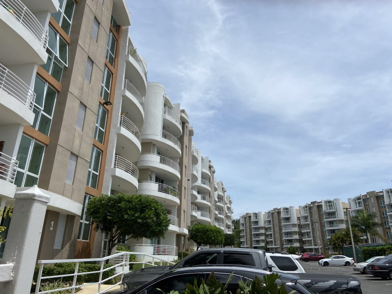 RE/MAX real estate, Puerto Rico, San Juan, Two-level penthouse in excellent condition