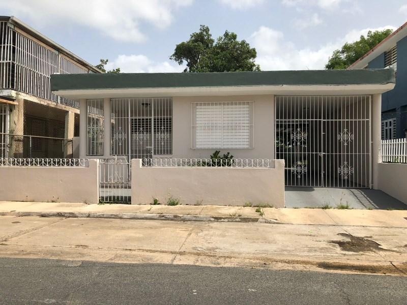 RE/MAX real estate, Puerto Rico, uRB Puerto Nuevo, House in Strategic Area !!