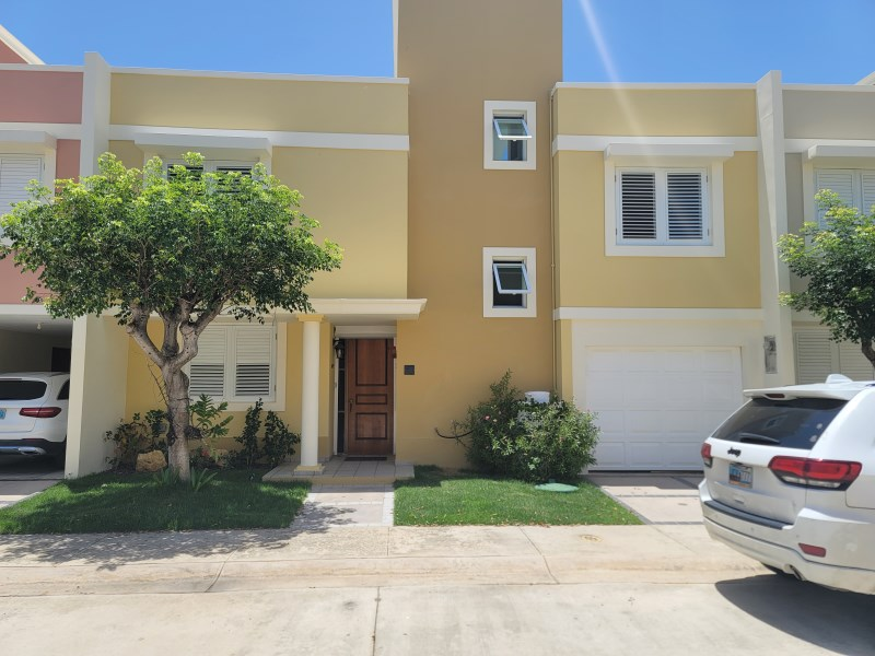 RE/MAX real estate, Puerto Rico, Fajardo, Excellent Townhouse with exclusive location!!!