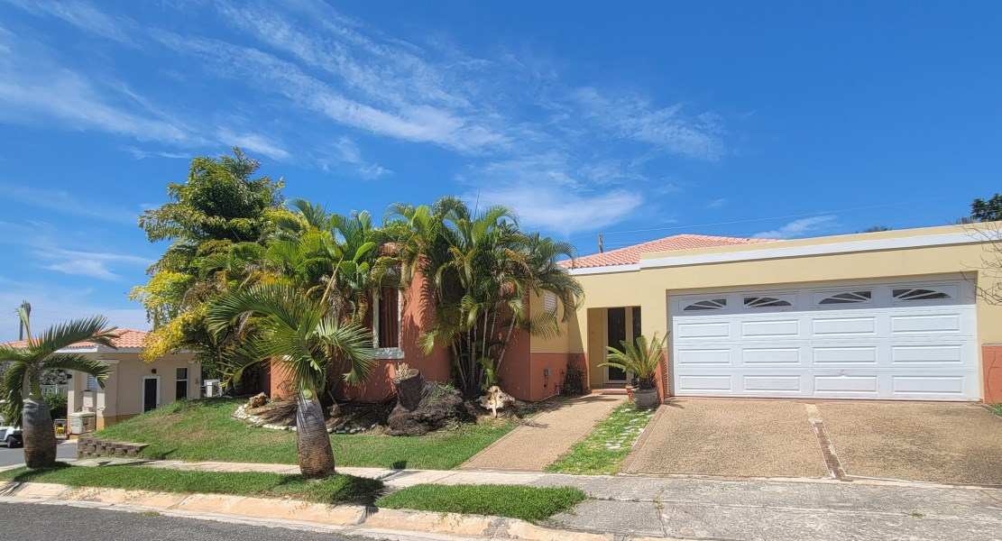 RE/MAX real estate, Puerto Rico, uRB Portofino, Spectacular house one minute from the beach.