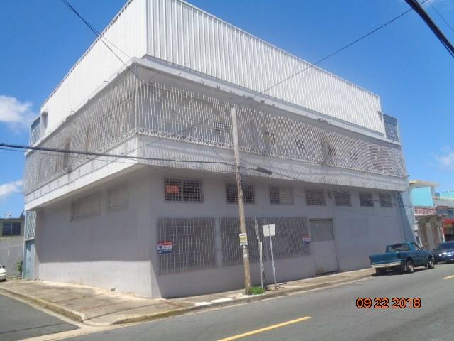 RE/MAX real estate, Puerto Rico, Bayamon, Espacioso y amplio edificio de 3 niveles 13,593 pies2 de construcción y 982.94 metros2. Ubicado en calle Comerío, area centrica junto a Carr. #2 y Car