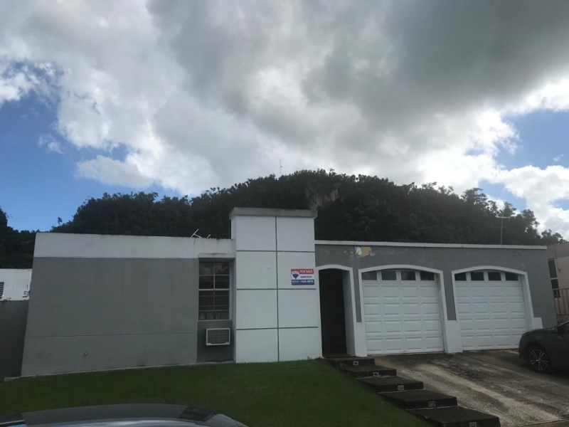 RE/MAX real estate, Puerto Rico, URB Los Montes, Urb. Los Montes