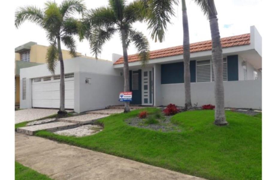 RE/MAX real estate, Puerto Rico, Villas De La Playa, Urb. Villas de la Playa