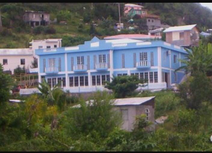 RE/MAX real estate, Grenada, Grand Anse, Trini place