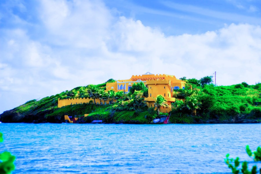RE/MAX real estate, Grenada, Lance aux Epines, Azzurra Castle