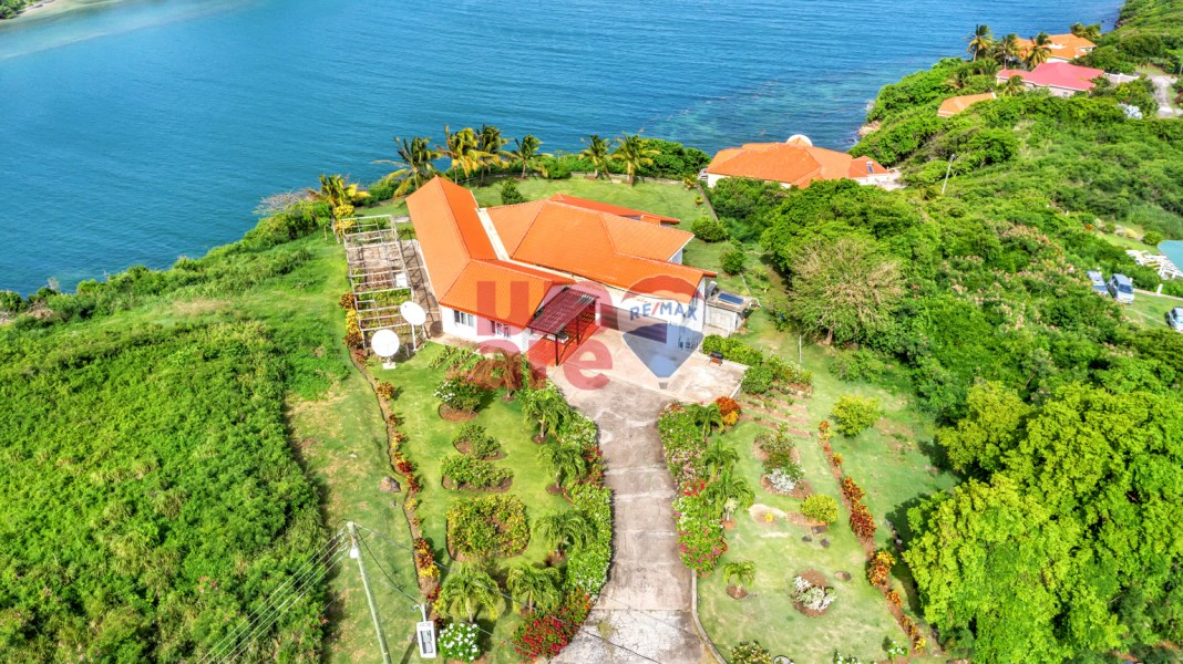 RE/MAX real estate, Grenada, Morne Jaloux, Sea view 2-Story 7 Bedroom 5 Bathroom House, Fort Jeudy, Grenada