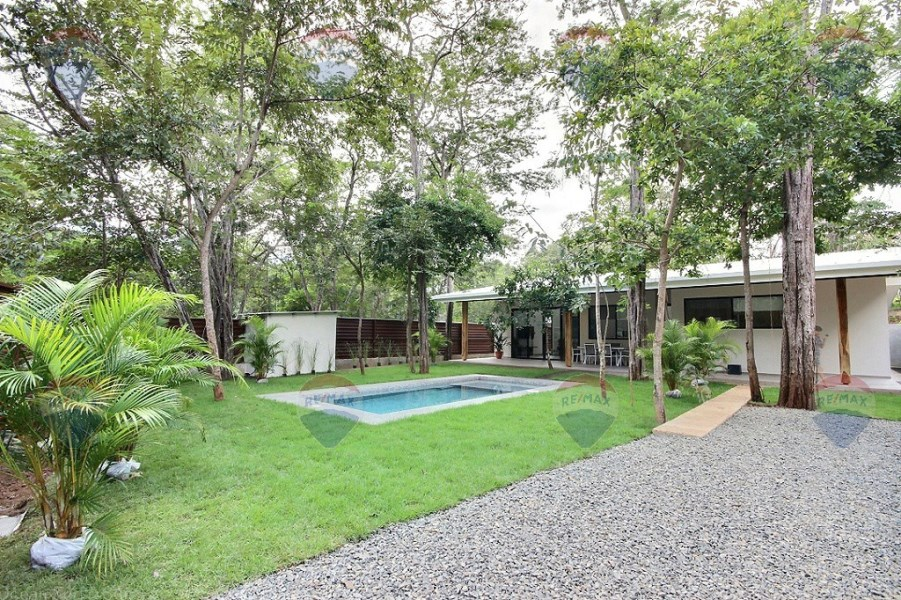 Remax real estate, Costa Rica, Tamarindo, Casa Zafiro  ~ 3 bed modern home in the community of Los Jobos in Tamarindo.