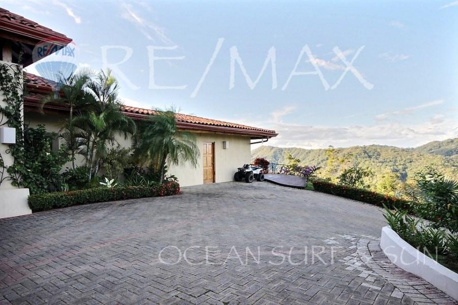 Remax real estate, Costa Rica, Potrero, 300 degree incredible ocean and valley view