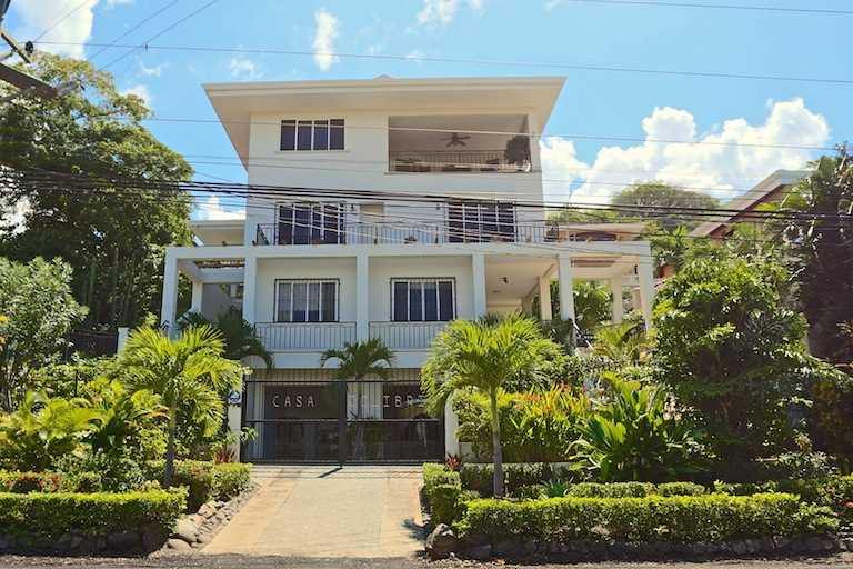 Remax real estate, Costa Rica, Playa Hermosa, Casa Colibri 2 Playa Hermosa