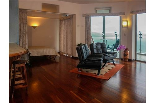 Remax real estate, Costa Rica, Arenal, Condo Overlooking Lake Arenal