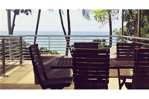 Remax real estate, Costa Rica, Herradura, Playa Escondida OCEANFRONT house
