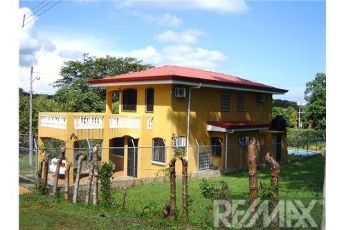 Remax real estate, Costa Rica, Puntarenas, IBERIA, House w/ pool in MANGO VERDE
