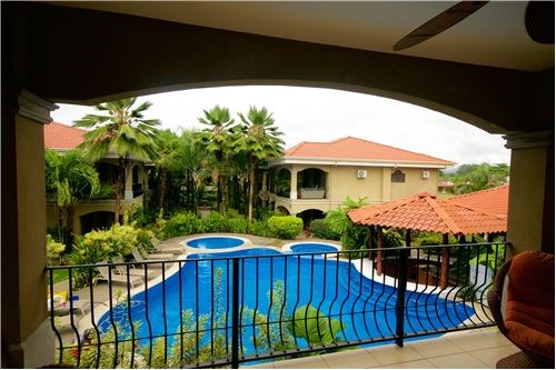 Remax real estate, Costa Rica, Jaco, Poolside Luxury Condo in Jaco, 1 Block from Beach