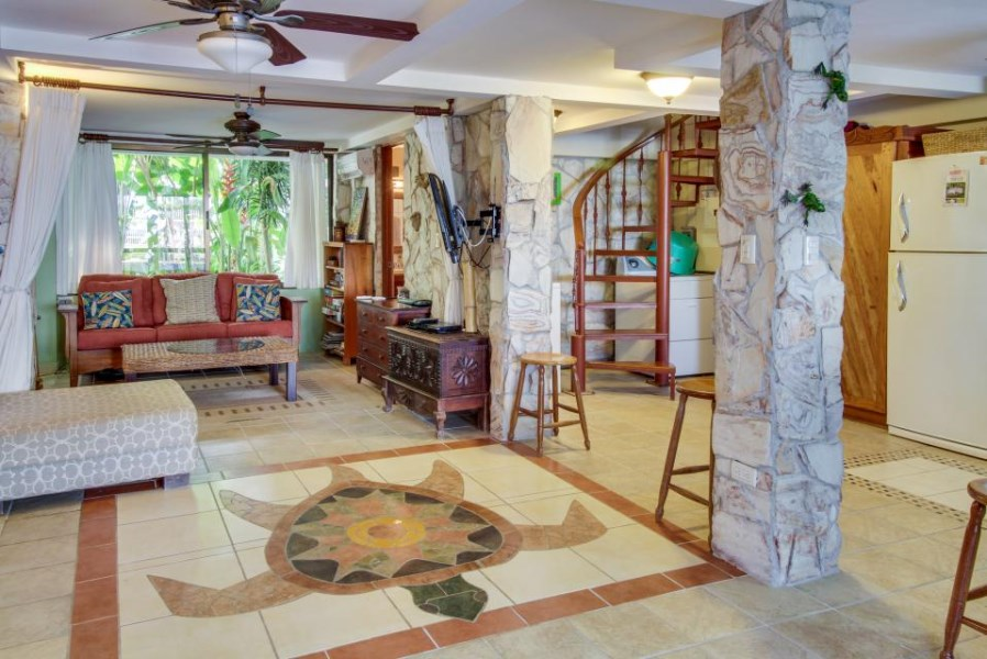 Remax real estate, Costa Rica, Jaco, La Paloma Blanca A1 Oceanfront Condo