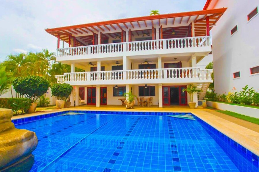 Remax real estate, Costa Rica, Jaco, La Paloma Blanca A2 Jaco Beach Oceanfront Condo with Seller Financing