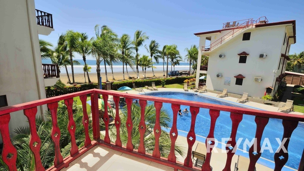 Remax real estate, Costa Rica, Jaco, Bahia Azul 4B Furnished Oceanfront Condo