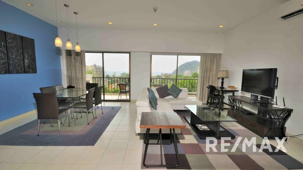 Remax real estate, Costa Rica, Jaco, Jaco Bay 8th Floor three bedroom HUGE OCEAN VIEW