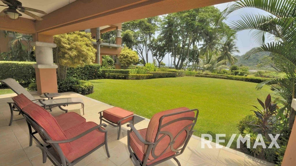 Remax real estate, Costa Rica, Los Suenos, Bay Residence 7F Oceanfront Los Suenos Condo