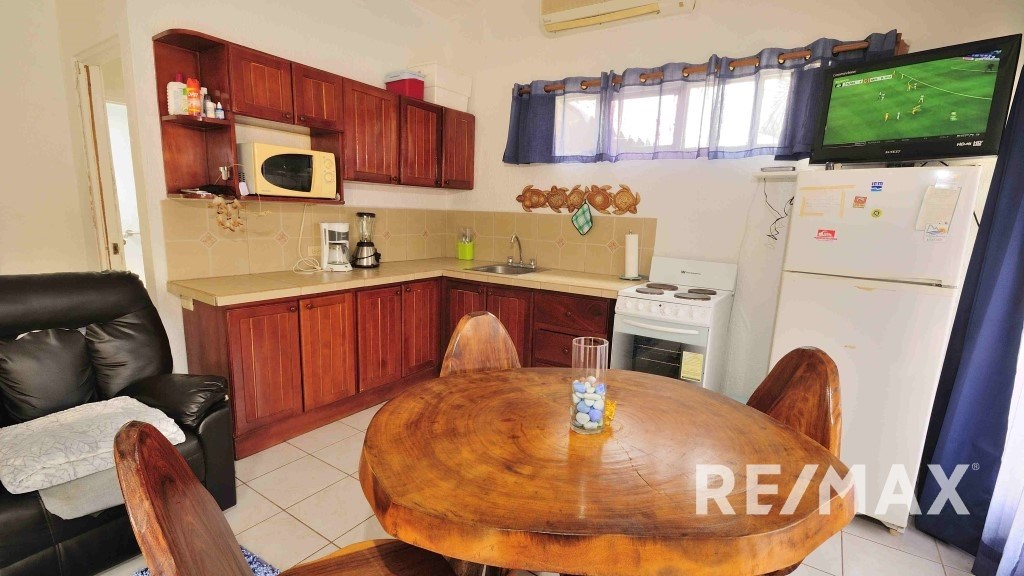 Remax real estate, Costa Rica, Jaco, Paradise Condo Jaco Beach M19