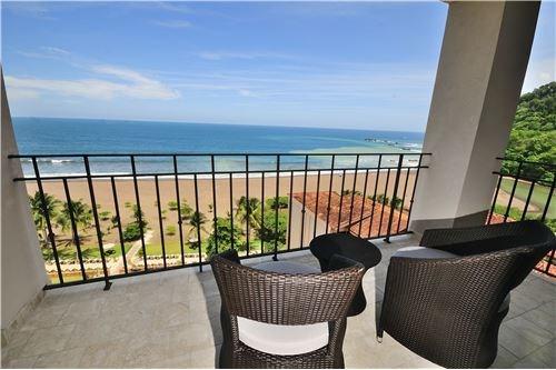 Remax real estate, Costa Rica, Jaco, Croc´s Casino Resort 2-bedroom 14th floor