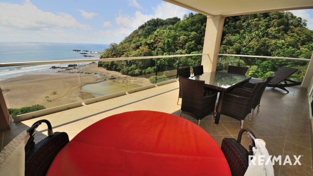 Remax real estate, Costa Rica, Jaco, Breakwater Point 11th floor Ocean Front Corner Condo