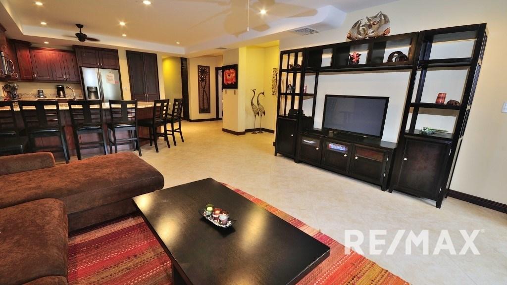 Remax real estate, Costa Rica, Jaco, Tres Regalos 3-bedroom Oceanfront Condo