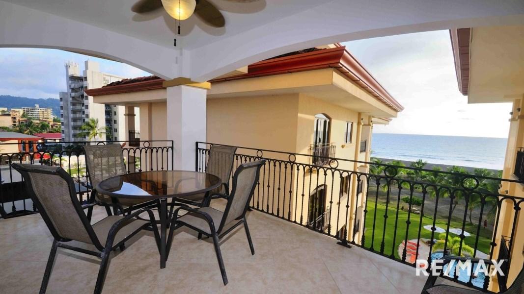 Remax real estate, Costa Rica, Jaco, Tres Regalos 2-bedroom Oceanfront Condo