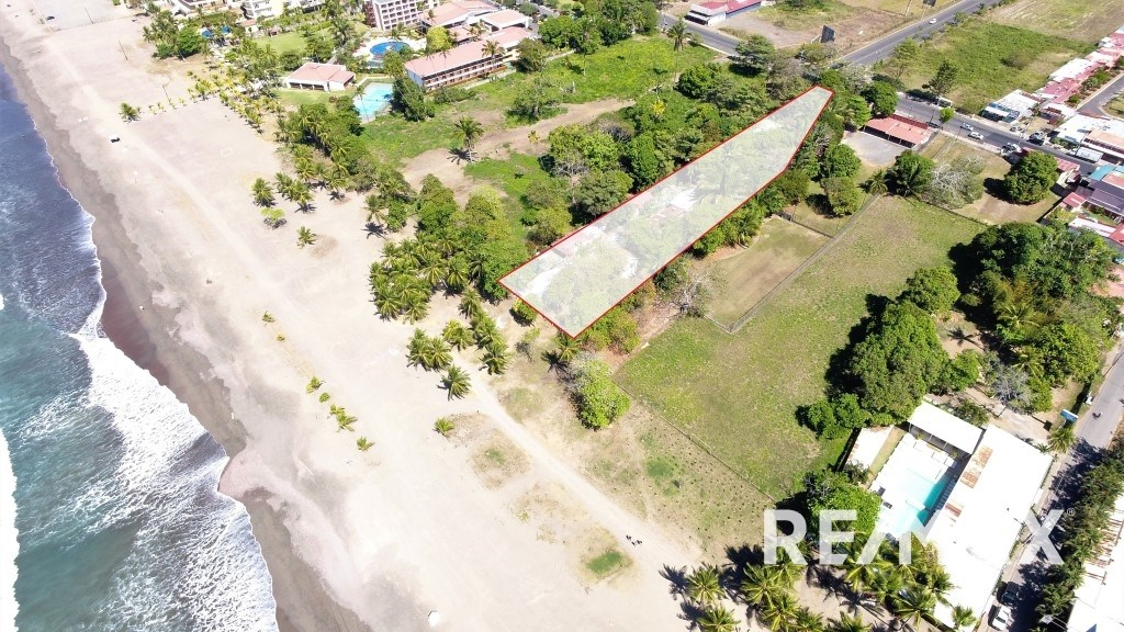 Remax real estate, Costa Rica, Jaco, Oceanfront Property in the Center of Jaco
