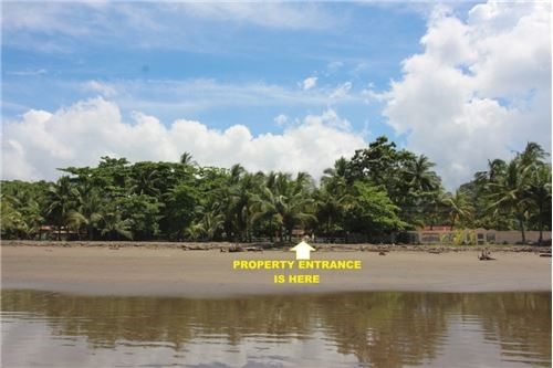 Remax real estate, Costa Rica, Jaco, Totally Beachfront Titled Lot in Jaco