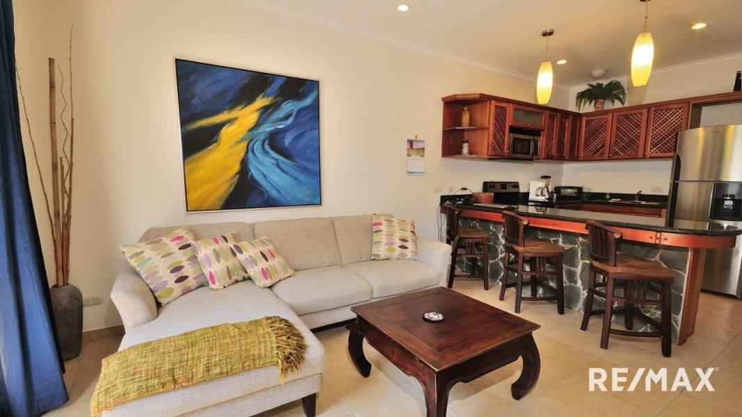 Remax real estate, Costa Rica, Jaco, La Paloma Blanca G2 Affordable Oceanfront Condo Jaco Beach