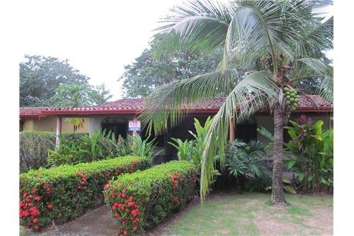 Remax real estate, Costa Rica, Hermosa Beach, Nestled in the Jungle Paradise of Opera Salvaje