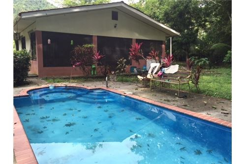 Remax real estate, Costa Rica, Jaco, Great home in quiet neighborhood with private pool