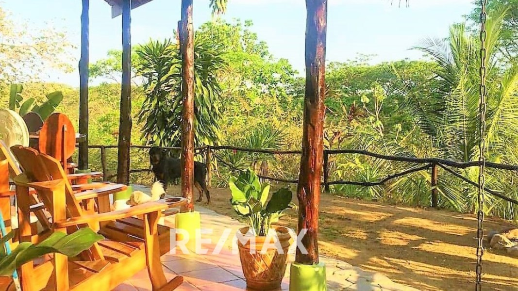 Remax real estate, Costa Rica, Puntarenas, Cool jungle home gated community