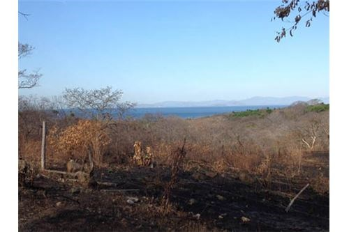 Remax real estate, Costa Rica, Bajamar, Oceanview lot ready for your dream home