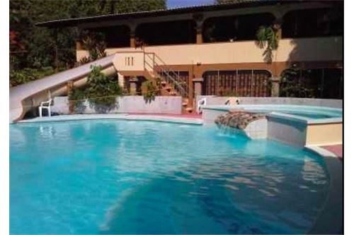 Remax real estate, Costa Rica, Parrita, Turnkey hotel opportunity | Bandera Beach