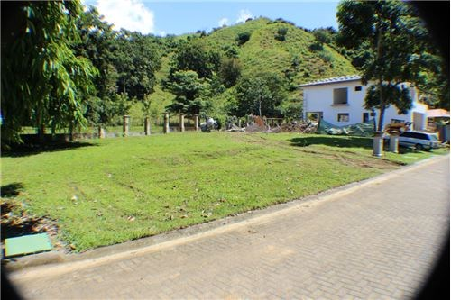 Remax real estate, Costa Rica, Herradura, Premier gated community near Los Suenos